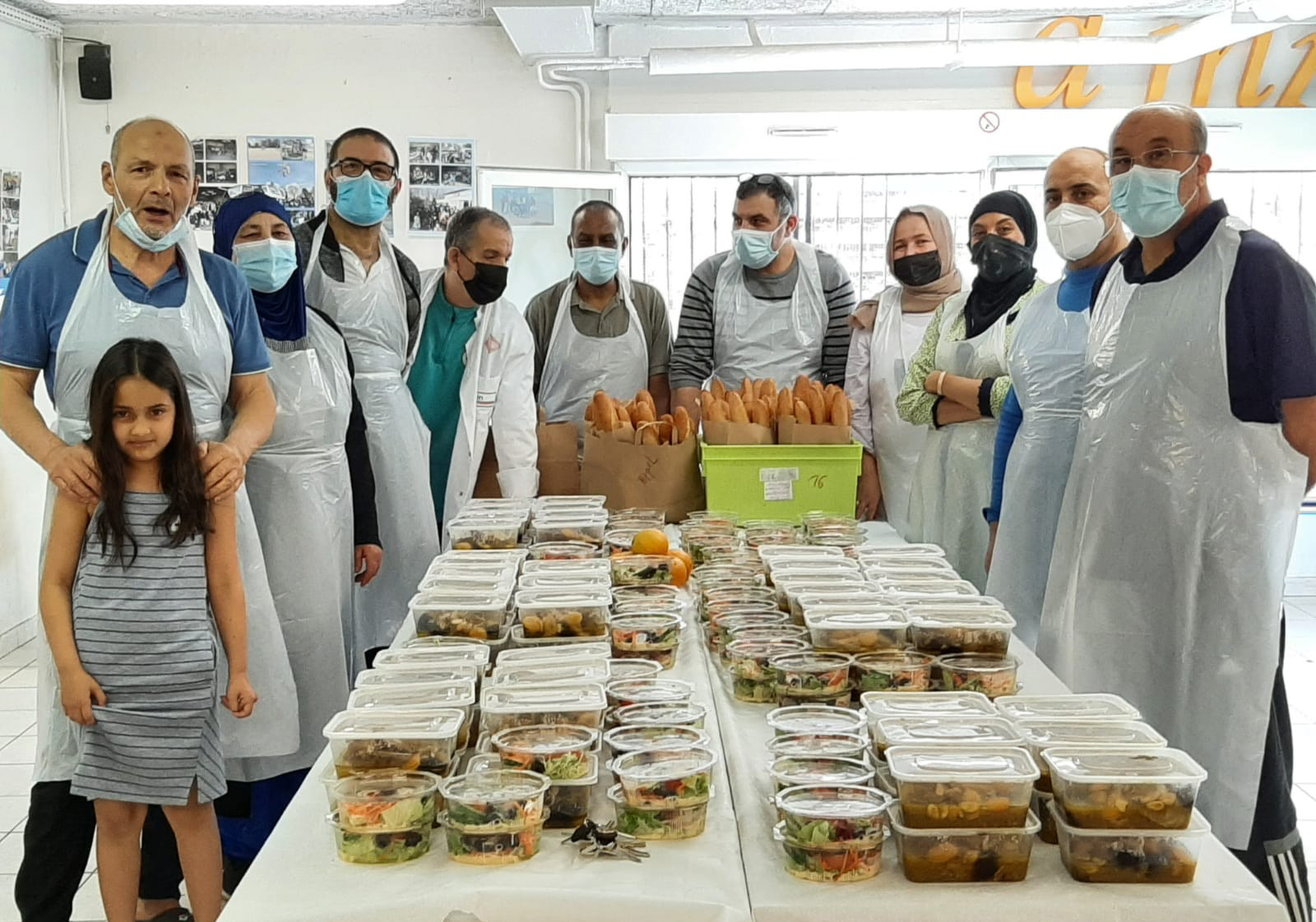 Action solidarité : distribution de repas pendant Ramadan
